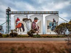 Miami artist 25 metre high artwork, painted on giant grain storage silos in the Great Southern farming town of Pingrup is a tip of the hat to Western Australia's tenacious, resourceful farming communities. Art Du Monde, Country Art, Country Living, Mural Art, Wall Murals, Water Tower, Victoria, International Artist, Western Australia