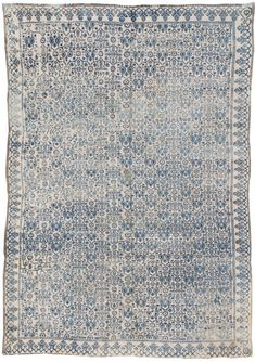 Beautiful soft blue pattern (Image Via: Crush Cul de Sac) Blue And White Rug, White Rugs, Stoff Design, Indian Rugs, Magic Carpet, Floor Rugs, Carpet Runner, Rugs On Carpet, Decoration
