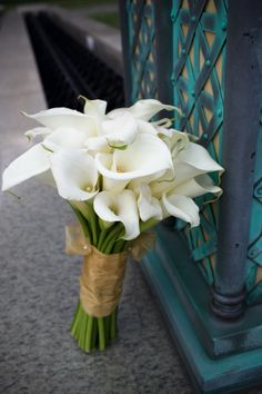 my wedding bouquet. LOVE calla lilies!