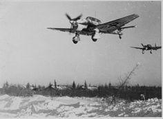 Бомбардировщики Ju-87 в небе