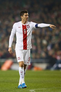 Robert Lewandowski Photos - Republic of Ireland v Poland - EURO 2016 Qualifier - Zimbio