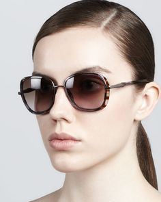 http://dezineonline.com/carolina-herrera-butterfly-sunglasses-purple-brown-p-656.html