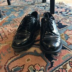 L'uomo comune si copre. L'uomo elegante si veste. (Michele Pernozzoli) #vantovintage #scarpe #francesine