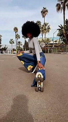 Disco Roller Skating, Roller Disco, Quad Roller Skates, Roller Rink, Skate Style Girl, Summer Coloring Pages, Gymnastics Poses, Skate Art, Inline Skating