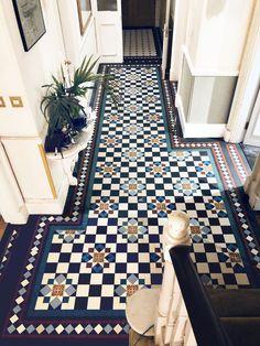 15 floor tile designs for the foyer - house floor tile designs for the foyer bodenfliesen designs foyerLondon Mosaic Hilton Grand Hall Tiles, Tiled Hallway, Hallway Carpet, Flur Design, Tile Design, Design Art, Design Ideas, Hallway Decorating, Entryway Decor
