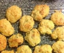Recipe Cheese and Bacon bites by My Thermie Journey, learn to make this recipe easily in your kitchen machine and discover other Thermomix recipes in Starters. Cheese Recipes, Cooking Recipes, Thermal Cooking, Bellini Recipe, Recipe Community, Dory, Cool Kitchens, Buffet, Bacon