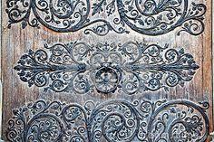 Украшение входной двери Нотр-Дам