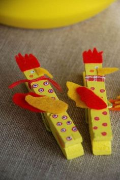 creative-clothespin-crafts-cool-diy-gift-handmade-cock-from-old-yellow-clothespeg