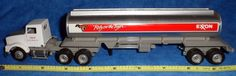 EXXON 'Rely on the Tiger' Gasoline Tanker Truck USA Brushed finish / Winross  E5 #Winross