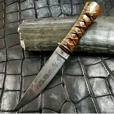 A stunning hand crafted blade with a beautiful hamon! . . Credit goes to @wilburnforge . . . #knifecommunity #knifeaddict #knives #knife #knifegasm #knifepics #knifeporn #tacticalknife #tactical #americaknife #survivalknife #survivalknives #edc #fightingknife #campknife #bushcraft #bushcraftknife #outdoor #usa