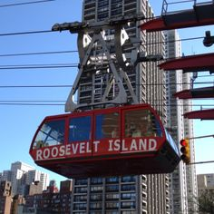 Roosevelt Island Tram, East River @ 59th Street - tiny island between Manhattan and Queens || the tram from Manhattan to the island is a 4 minute ride and offers spectacular views.
