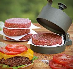 Do your home made burgers look like they have been in an accident? With this Heavy-duty aluminum non-stick single burger press, your burgers will be perfectly sized, pressed, and portioned!