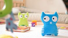 Ben und Vincend teilen sich gern als Plüschtier die Zeit mit Kindern oder Erwachsenen. Die Kuscheltiere können auch als Kissen benutzt werden. Dieses interessante Produktdesign lässt viele Möglichkeiten der Benutzung zu. Ob für Kinder oder Erwachsene. Probiert es aus.