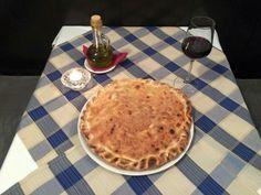 Tradicionalna večera za Veliki petak: Viška pogača i čaša crnog vina.
