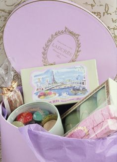 What a beautiful gift box!