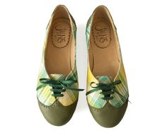 Acordonados Cuadrille Green - Oxford shoes - Woman flat shoes in green leather. Handmade by Quiero June - Free shipping.