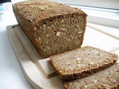 Lækkert glutenfrit rugbrød Almond Flour Bread, Dairy Free, Gluten Free, Food Map, Cook N, Bread Bun, Foods With Gluten, Low Fodmap, Banana Bread