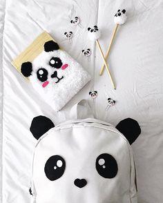Saiu vídeo novo no canal! DIY de material escolar de panda 🐼🐼🐼🐼. Link no perfil. #DIYDATALLI