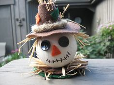 fall craft, scarecrow craft, craft, holiday craft, best fall craft, tutorial, video, fun, easy, crafting, ornament, festive, autumn, crafts, diy, decor, decoration, decorations, crafting with nature