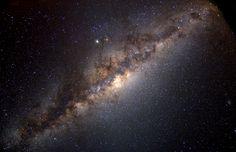 La strana danza della Via Lattea