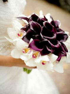 Featured Photographer: Ethan Yang Photography; Wedding bouquet idea.