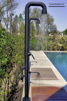 Outdoor Pool Shower, Indoor Outdoor, Outdoor Living, Outdoor Decor, Indoor Pools, Outdoor Recreation, Pool Houses, Jacuzzi, Black Shower