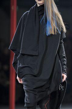 6. Yohji Yamamoto Fall 2012 - Details relate and resemble Chlamys