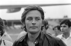 French actor Alain Delon at Nice airport on September 1968 (photo by Jean-Pierre Bonnotte) Old Hollywood Movies, Classic Hollywood, French Man, Classic Movie Stars, Good Looking Men, Brad Pitt, Film, Photographic Prints, France
