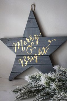 Merry & Bright - Gray Holiday Wall Art Christmas Decoration Happy Holidays Wooden Sign Calligraphy Star by SimplyGypsyDesigns on Etsy Christmas Wall Art, Noel Christmas, Christmas Signs, Winter Christmas, Christmas Decorations, Black Christmas, Christmas Projects, Holiday Crafts, Theme Noel