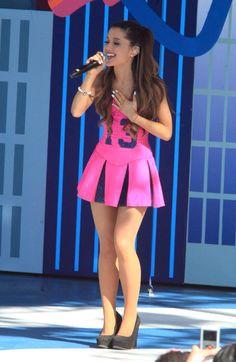 Ariana Grande 2013 Nicks Worldwide Day of Play Ariana Grande Legs, Adriana Grande, Ariana Grande Outfits, Ariana Grande Pictures, Ariana Grande Bikini, In Pantyhose, Hot Girls, Mini Skirts, Celebs