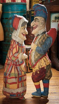 The Blackler Collection (Part 2 of set): 127 Pair,American Lithographed Cloth Punch and Judy Dolls from Art Fabric Mills Vintage Games, Vintage Dolls, Punch And Judy, Toy Theatre, Marionette Puppet, Pierrot, Found Art, Old Dolls, Assemblage Art