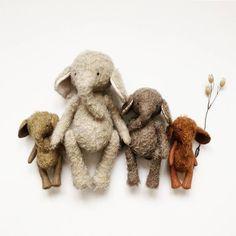 Sweet little elephants from Manomine