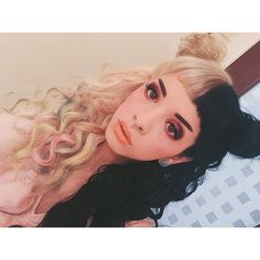 Welcome to by Melanie Martinez. Get the latest tour, music, videos from Melanie Martinez. Melanie Martinez Style, Crybaby Melanie Martinez, Melanie Martinez Makeup, Billie Eilish, Cyberpunk, Icons Tumblr, Grunge, Corte Y Color, Cry Baby