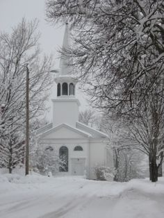Winter church Old Time Religion, Country Christmas, Christmas Ideas, Old Country Churches, Church Pictures, Take Me To Church, Winter Light, Place Of Worship, Beautiful Buildings