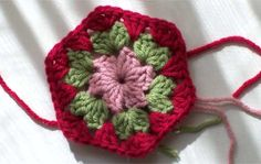 Granny Hexagon pattern with  chart by Crochet Again.