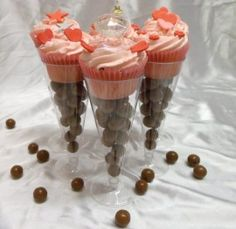 Champagne flute Cupcakes Great for Garden or Backyard Parties.They sooo look great with Pink Champaigne
