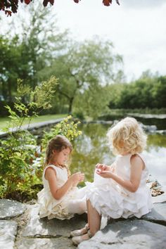 Possible Everleigh and Mollie flower girl hair.