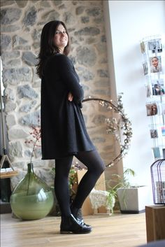 f41d9997373 Robe Manon noire brillante et sa coupe oversize par The LELI. Fabriqué en  France