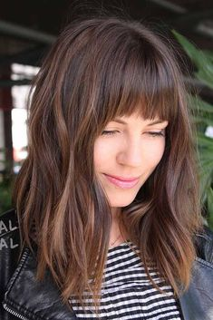 haar pony Medium Cut With Straight Bangs Medium Hair Styles, Curly Hair Styles, Women Hair Styles, Straight Hairstyles, Cool Hairstyles, Hairstyles Haircuts, Formal Hairstyles, Hairstyles For Long Faces, Middle Hairstyles