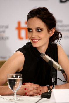 """Eva Green Photos - Actress Eva Green speaks onstage at the """"Cracks"""" press conference held at the Sutton Place Hotel on September 2009 in Toronto, Canada. Hollywood Actresses, Actors & Actresses, Actress Eva Green, Green Pictures, Toronto, Penny Dreadful, Makeup For Green Eyes, French Actress, International Film Festival"""