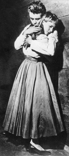 James Dean & Julie Harris - EAST OF EDEN (Elia Kazan, 1955) A wonderful movie.