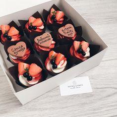 Автоматический альтернативный текст отсутствует. Sweet Desserts, Delicious Desserts, Yummy Food, Mini Cakes, Cupcake Cakes, Baking Soda Health Benefits, Cupcake Recipes, Dessert Recipes, Cupcakes Design