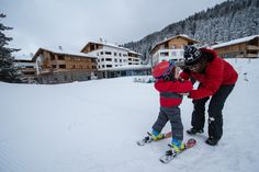 Creche learning to ski for the first time #Alps
