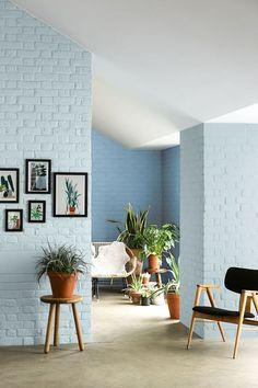 Peinture bleu : 12 couleurs bleutées pour repeindre son intérieur - Côté Maison