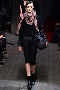 Loewe | Fall 2012 Ready-to-Wear Collection | Vogue Runway