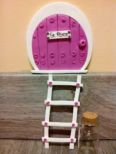 La Jaula de Kakel: Puerta para el ratón perez Tooth Fairy Doors, Happy Birthday Quotes, Fimo Clay, Kids Decor, Home Decor, Fairy Houses, Windows And Doors, Wall Murals, Ideas Para