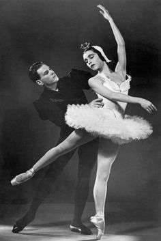 Maria Tallchief and Andre Eglevsky Dancing in the Ballet 'Swan Lake' Photo Ballet Photos, Ballet Pictures, Dance Pictures, Dancer Photography, George Balanchine, Lake Photos, City Ballet, Black Women Art, Swan Lake
