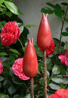"""Pflanzen- & Gartenstecker - Gartenstecker kleine rote """"KNOSPE"""" - ein Designerstück von Brigitte_Peglow bei DaWanda"""