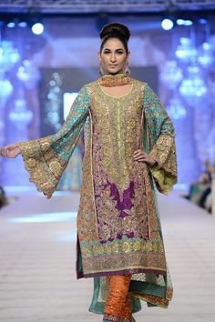 Nomi Ansari is a great name in fashion world, now he launched new awesome and fabulous new bridal collection named Gul Collection which is full of stylish. Pakistani Wedding Outfits, 2015 Wedding Dresses, Pakistani Bridal, Bridal Outfits, Pakistani Dresses, Indian Outfits, Bridal Dresses, Pakistani Couture, Wedding Themes