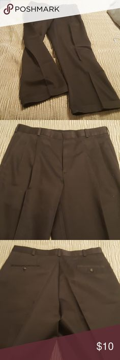 Dockers Premium mens dark gray pants Dockers Premium mens pleated relaxed fit pants. Size 32 x 30. Excellant condition Look brand new. These are very nice dress pants. Dockers Pants Chinos & Khakis